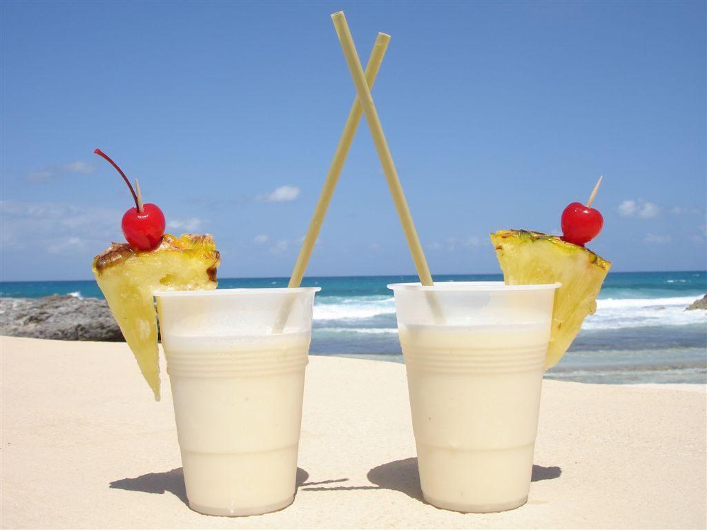 детокс напитки – кокосова вода и ананас
