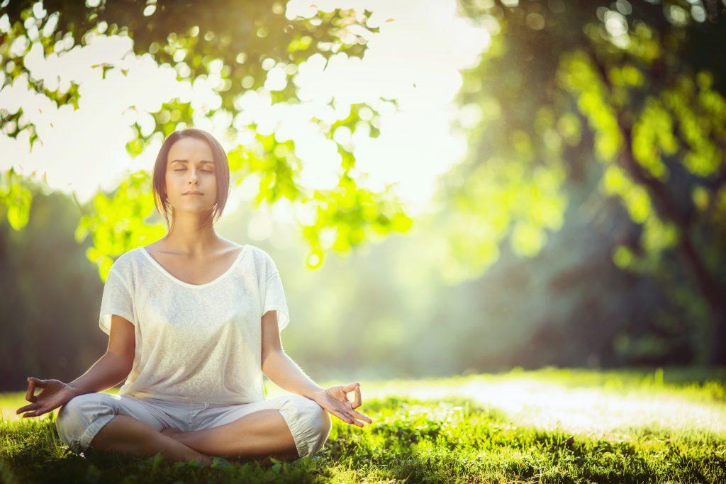 Медитация в парка