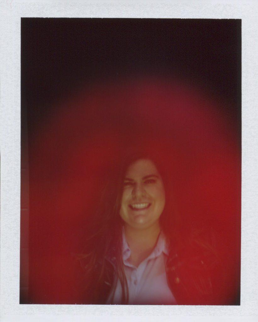 аура камера - червено