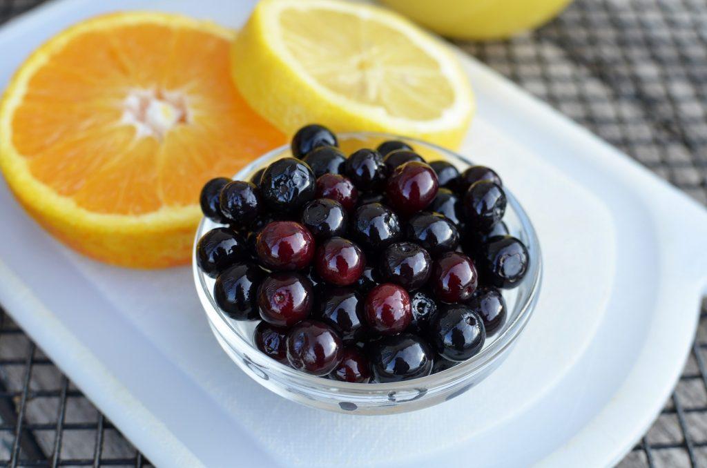 храни, които намаляват стреса – боровинки и портокали